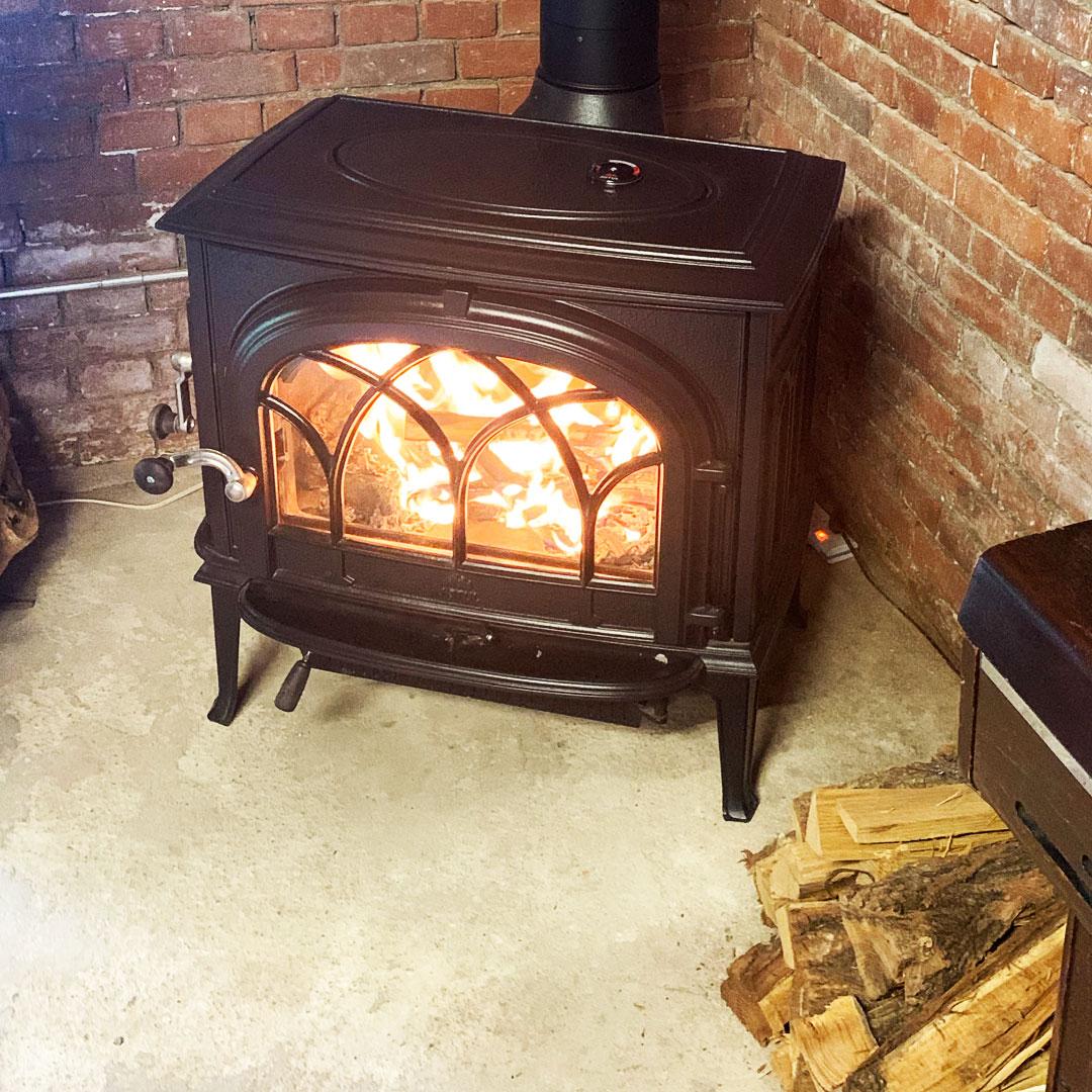 柳田家住宅旧りんご蔵で現アップルロッヂの暖炉の画像